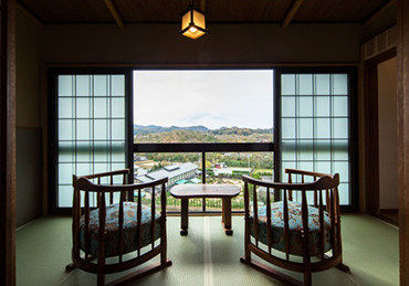 All rooms are Japanese-style rooms with semi-double beds